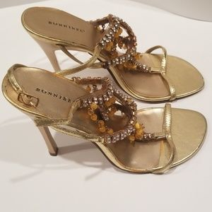 Bonnibell gold dress shoes with design